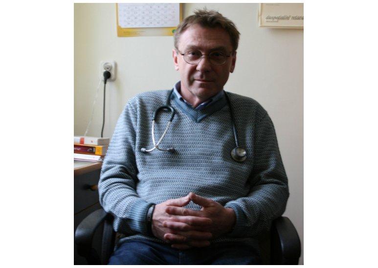 Dr Dariusz Jastrzębski, ordynator Oddziału Wewnętrznego Szpitala Zespolonego w Skierniewicach. Fot. Skierniewickie.pl