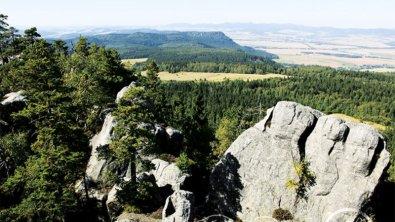 Podróże bliższe i dalsze: Góry Stołowe. Tajemniczy świat Skalnych Miast