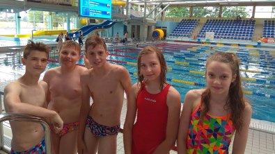 Dobre występy młodych pływaków